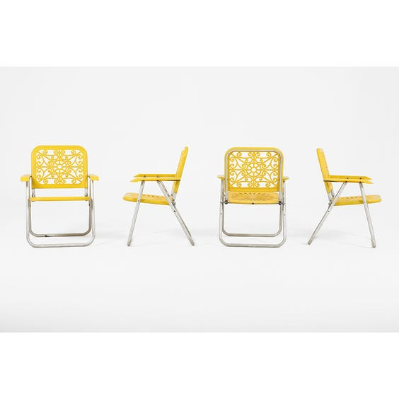 American lemon yellow deck chair image