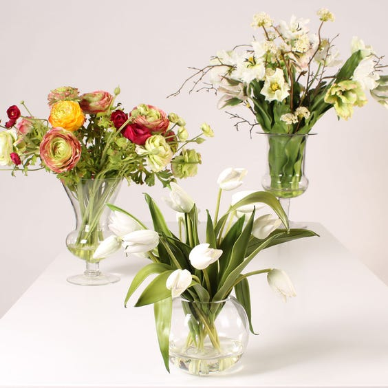 Example of artificial flowers image
