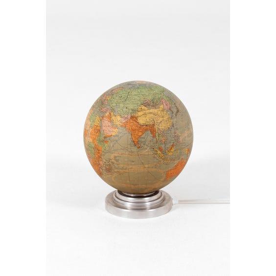 Vintage light up globe image