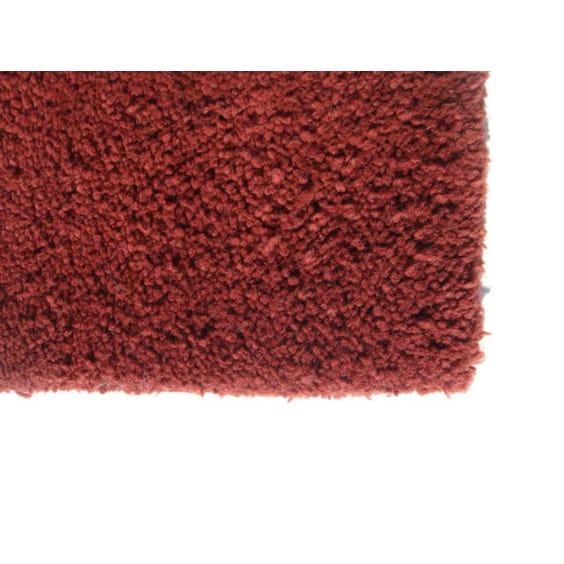 Simple burgundy rug image