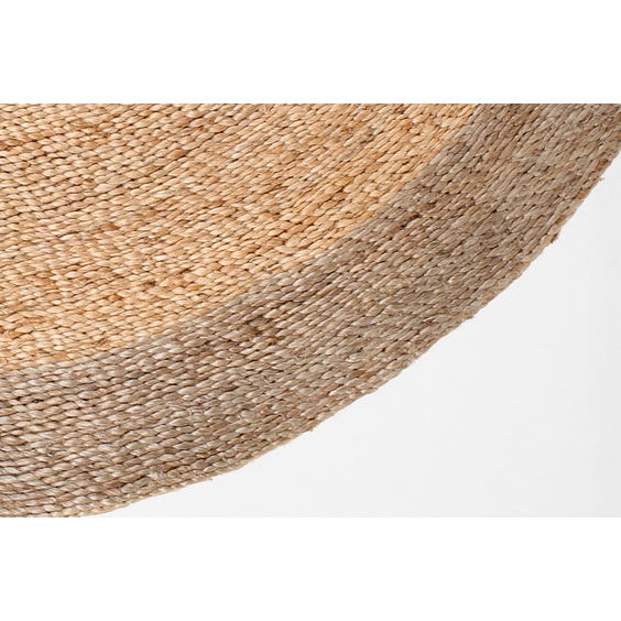 Straw twisted hemp circular rug image