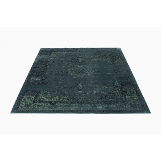 Two tone traditional floral rug image