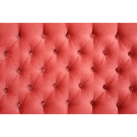 Small pink buttoned sofa image