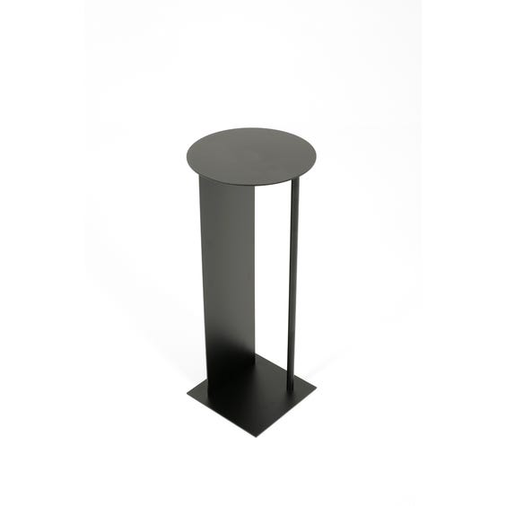 Postmodern black plinth table image