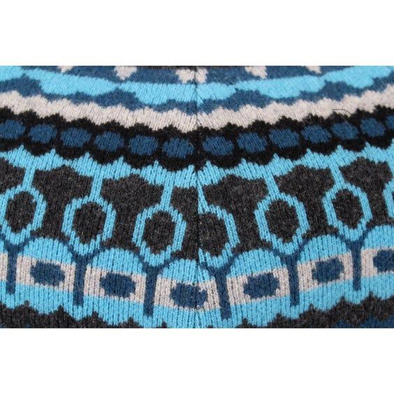 Blue knitted wool pouffe image