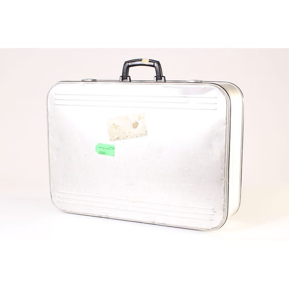 Alustar retro metal suitcase image