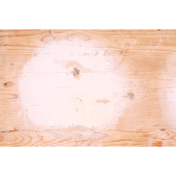 Narrow wooden pizza board surface image