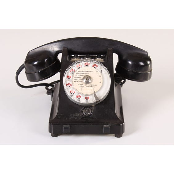 Black period French telephone image