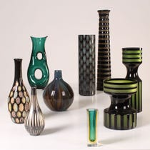 Example of dark coloured vases